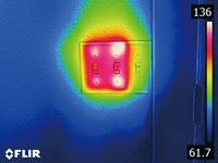 赤外線サーモグラフィ フリアーC2 シンプルなタッチパネル操作で スマホ感覚で効率的作業