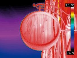 ポケットサイズの赤外線サーモグラフィ フリアーC2 スーパーファインコントラスト